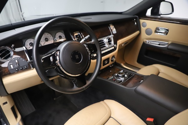 Used 2016 Rolls-Royce Ghost for sale $175,900 at Pagani of Greenwich in Greenwich CT 06830 18