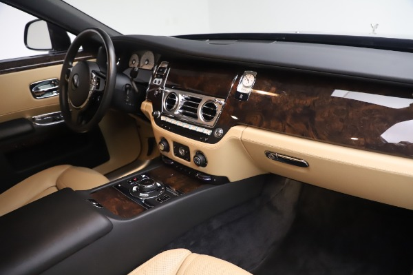 Used 2016 Rolls-Royce Ghost for sale $175,900 at Pagani of Greenwich in Greenwich CT 06830 20