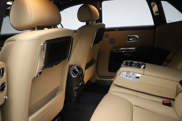 Used 2016 Rolls-Royce Ghost for sale $175,900 at Pagani of Greenwich in Greenwich CT 06830 22
