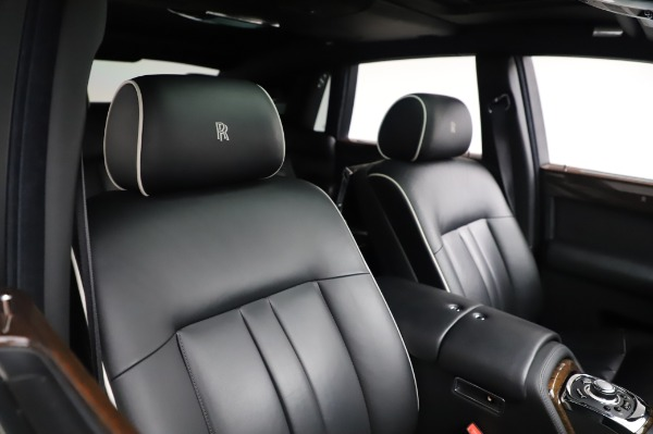 Used 2014 Rolls-Royce Phantom for sale $189,900 at Pagani of Greenwich in Greenwich CT 06830 13