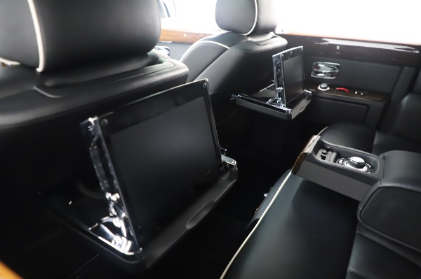 Used 2014 Rolls-Royce Phantom for sale $189,900 at Pagani of Greenwich in Greenwich CT 06830 19