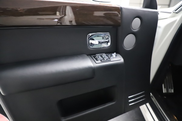 Used 2014 Rolls-Royce Phantom for sale $189,900 at Pagani of Greenwich in Greenwich CT 06830 20