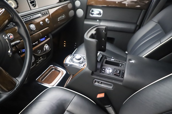 Used 2014 Rolls-Royce Phantom for sale $189,900 at Pagani of Greenwich in Greenwich CT 06830 22