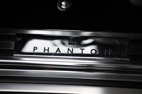 Used 2014 Rolls-Royce Phantom for sale $189,900 at Pagani of Greenwich in Greenwich CT 06830 24