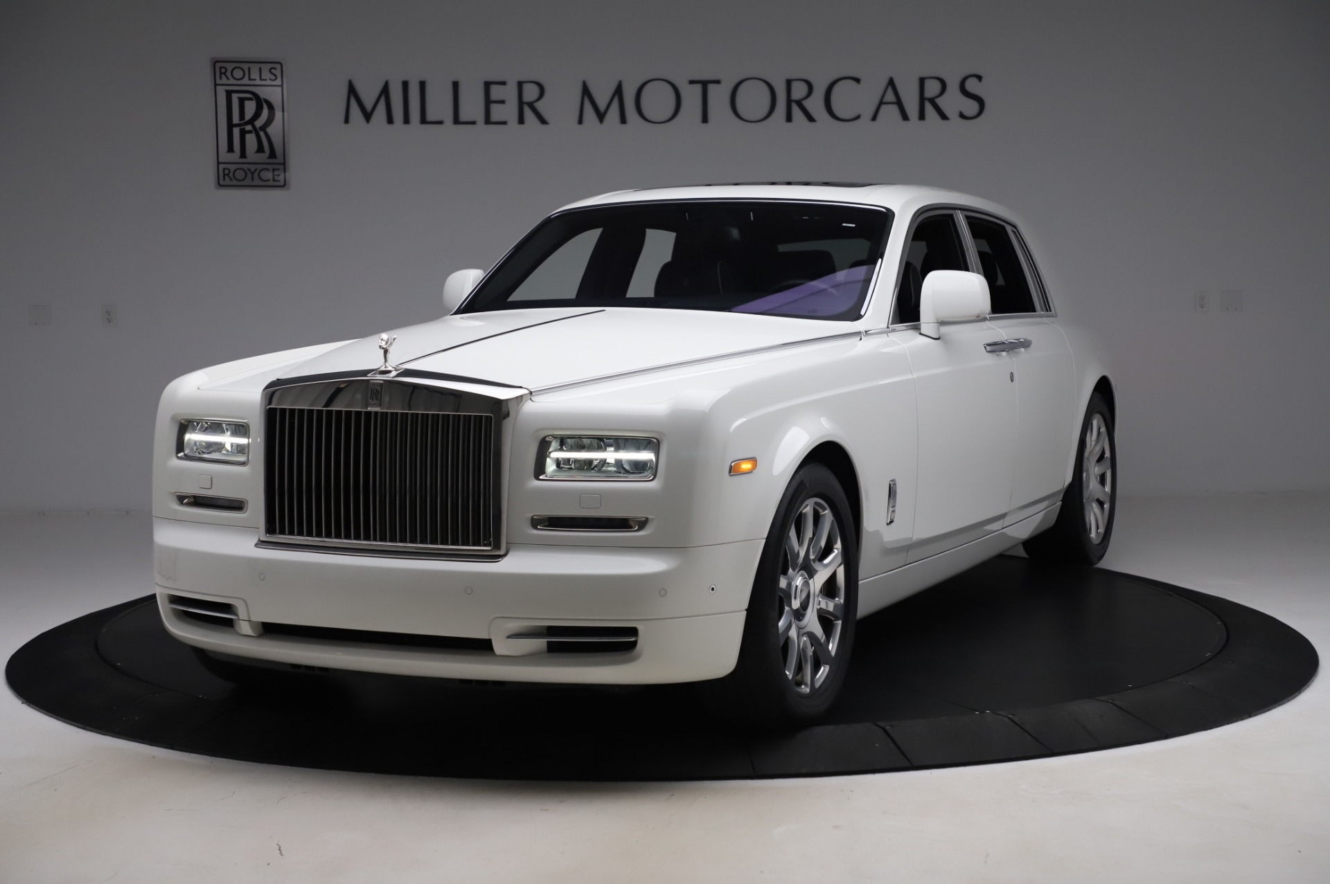 Used 2014 Rolls-Royce Phantom for sale $189,900 at Pagani of Greenwich in Greenwich CT 06830 1