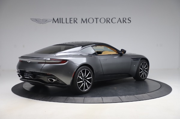 Used 2017 Aston Martin DB11 for sale $134,900 at Pagani of Greenwich in Greenwich CT 06830 7
