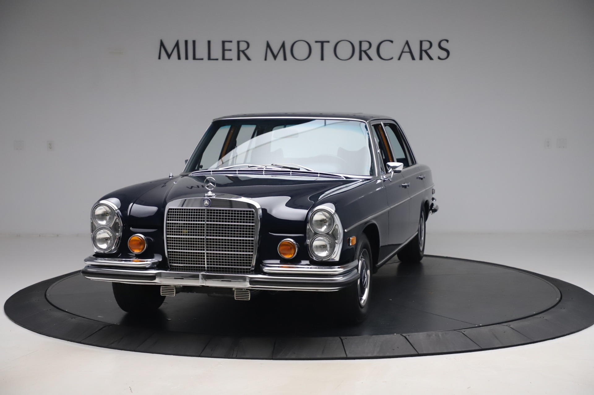 Used 1971 Mercedes-Benz 300 SEL 6.3 for sale Sold at Pagani of Greenwich in Greenwich CT 06830 1