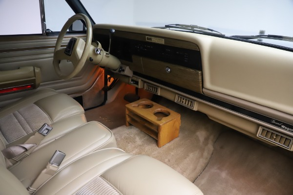 Used 1991 Jeep Grand Wagoneer for sale Call for price at Pagani of Greenwich in Greenwich CT 06830 18