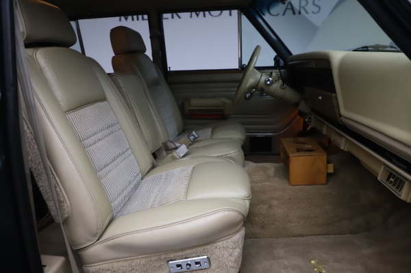 Used 1991 Jeep Grand Wagoneer for sale $89,900 at Pagani of Greenwich in Greenwich CT 06830 19