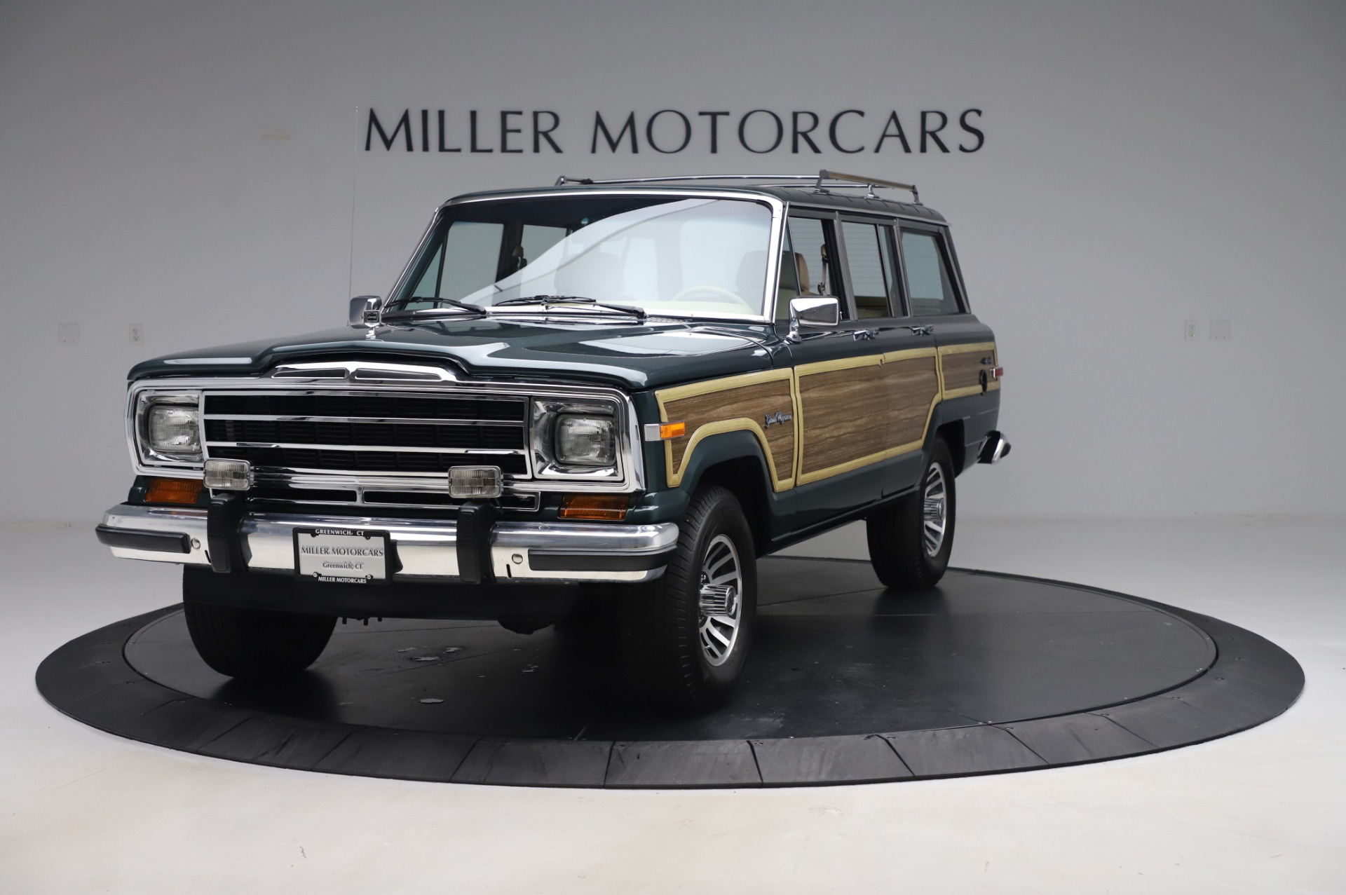 Used 1991 Jeep Grand Wagoneer for sale $89,900 at Pagani of Greenwich in Greenwich CT 06830 1