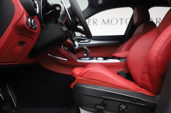 New 2020 Alfa Romeo Stelvio Ti Sport Q4 for sale $53,545 at Pagani of Greenwich in Greenwich CT 06830 14