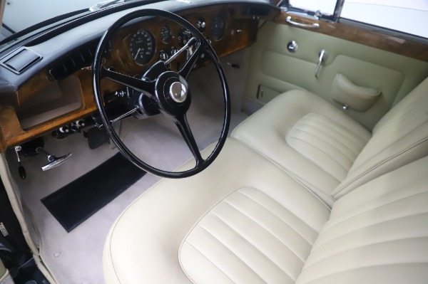 Used 1965 Rolls-Royce Silver Cloud III for sale $99,900 at Pagani of Greenwich in Greenwich CT 06830 14