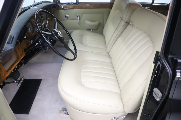 Used 1965 Rolls-Royce Silver Cloud III for sale $99,900 at Pagani of Greenwich in Greenwich CT 06830 16