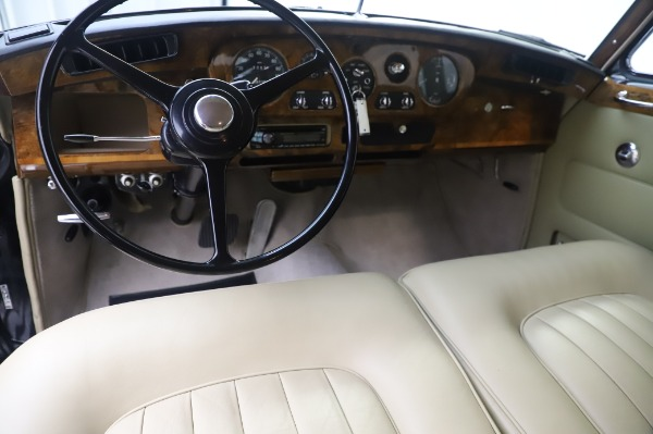 Used 1965 Rolls-Royce Silver Cloud III for sale $99,900 at Pagani of Greenwich in Greenwich CT 06830 21