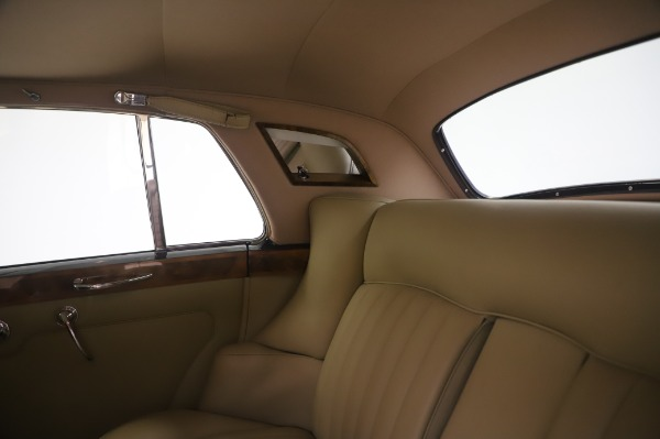 Used 1965 Rolls-Royce Silver Cloud III for sale $99,900 at Pagani of Greenwich in Greenwich CT 06830 22