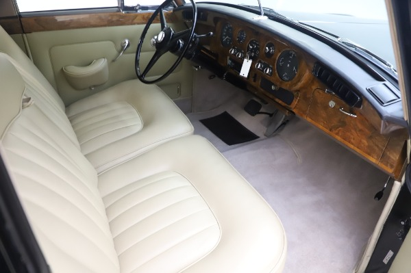 Used 1965 Rolls-Royce Silver Cloud III for sale $99,900 at Pagani of Greenwich in Greenwich CT 06830 23