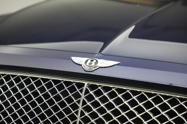 Used 2018 Bentley Bentayga W12 Signature Edition for sale $159,900 at Pagani of Greenwich in Greenwich CT 06830 14