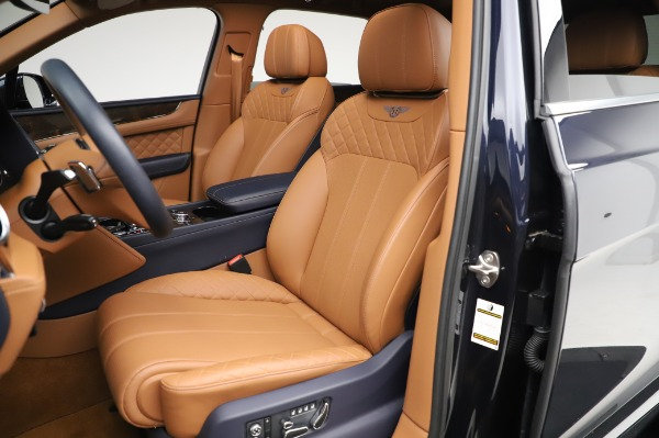 Used 2018 Bentley Bentayga W12 Signature Edition for sale $159,900 at Pagani of Greenwich in Greenwich CT 06830 21