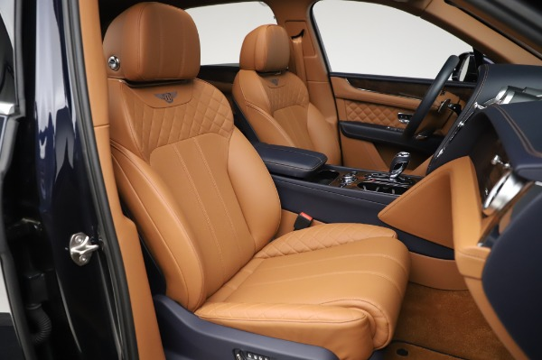Used 2018 Bentley Bentayga W12 Signature Edition for sale $159,900 at Pagani of Greenwich in Greenwich CT 06830 26