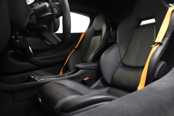 Used 2017 McLaren 570S Coupe for sale $149,900 at Pagani of Greenwich in Greenwich CT 06830 18