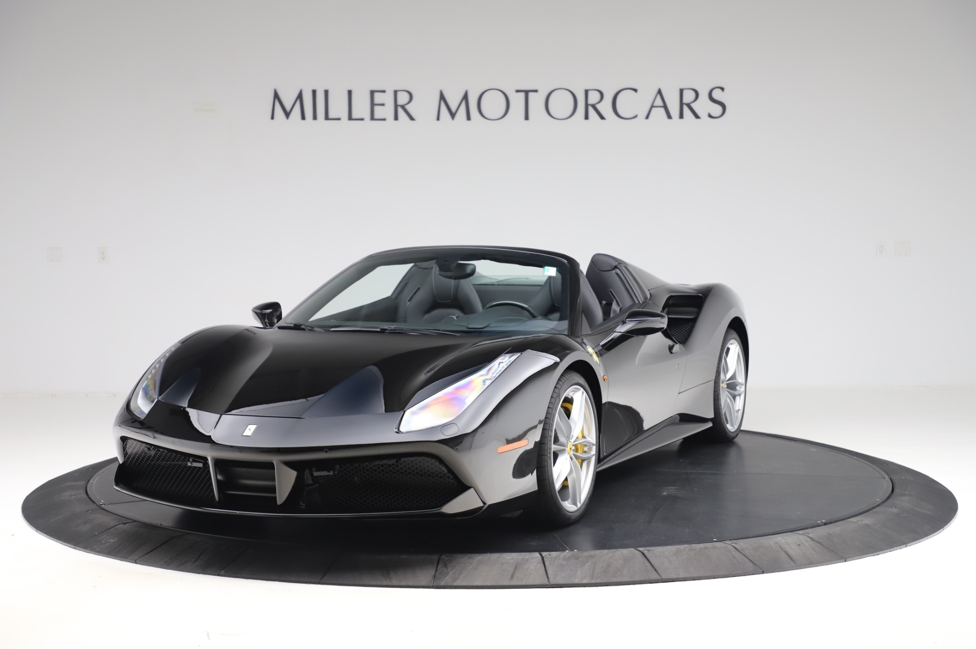 Used 2017 Ferrari 488 Spider for sale $284,900 at Pagani of Greenwich in Greenwich CT 06830 1