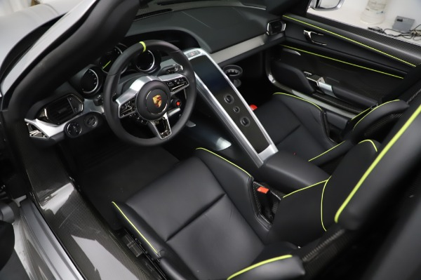 Used 2015 Porsche 918 Spyder for sale $1,355,900 at Pagani of Greenwich in Greenwich CT 06830 22