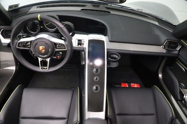 Used 2015 Porsche 918 Spyder for sale $1,355,900 at Pagani of Greenwich in Greenwich CT 06830 26