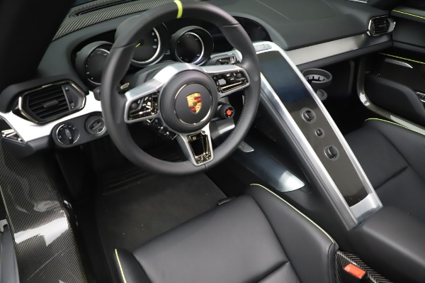Used 2015 Porsche 918 Spyder for sale $1,355,900 at Pagani of Greenwich in Greenwich CT 06830 27