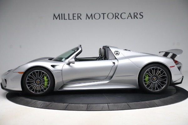 Used 2015 Porsche 918 Spyder for sale $1,355,900 at Pagani of Greenwich in Greenwich CT 06830 3