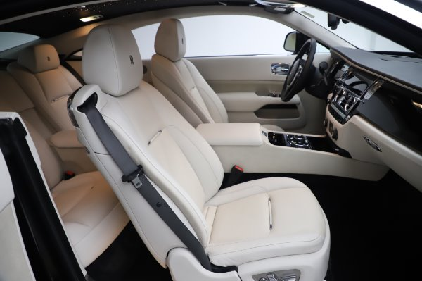 Used 2015 Rolls-Royce Wraith Base for sale $168,900 at Pagani of Greenwich in Greenwich CT 06830 16