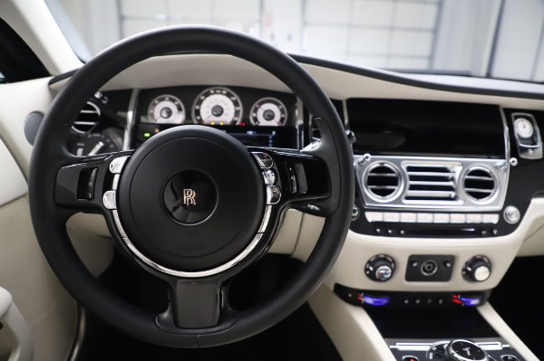 Used 2015 Rolls-Royce Wraith Base for sale $168,900 at Pagani of Greenwich in Greenwich CT 06830 18