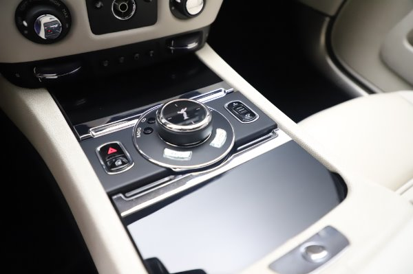 Used 2015 Rolls-Royce Wraith Base for sale $168,900 at Pagani of Greenwich in Greenwich CT 06830 19