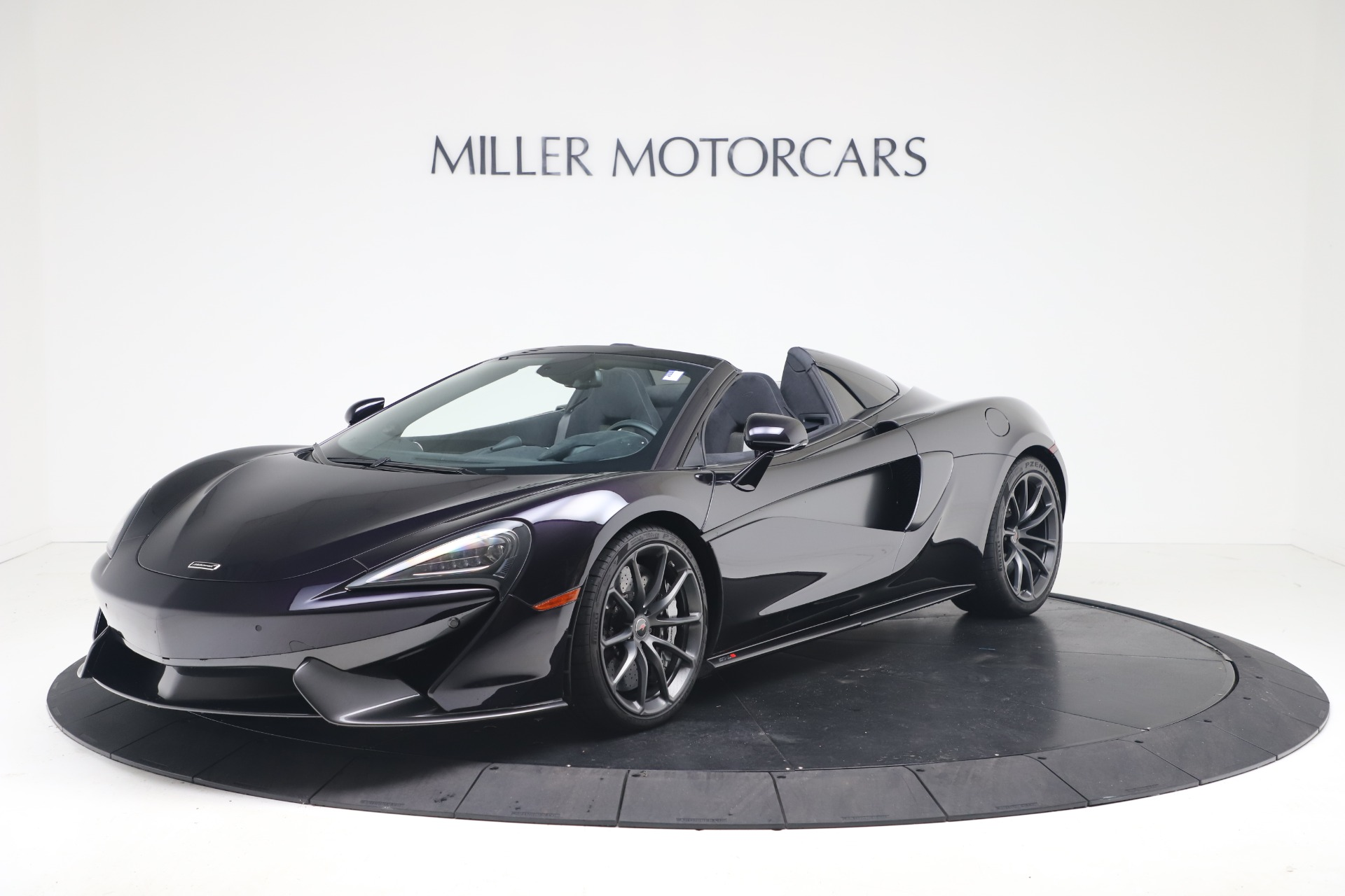 Used 2019 McLaren 570S Spider Convertible for sale $189,900 at Pagani of Greenwich in Greenwich CT 06830 1
