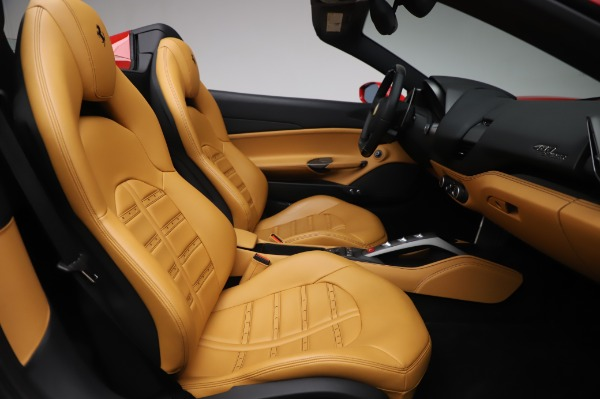 Used 2018 Ferrari 488 Spider Base for sale $289,900 at Pagani of Greenwich in Greenwich CT 06830 24