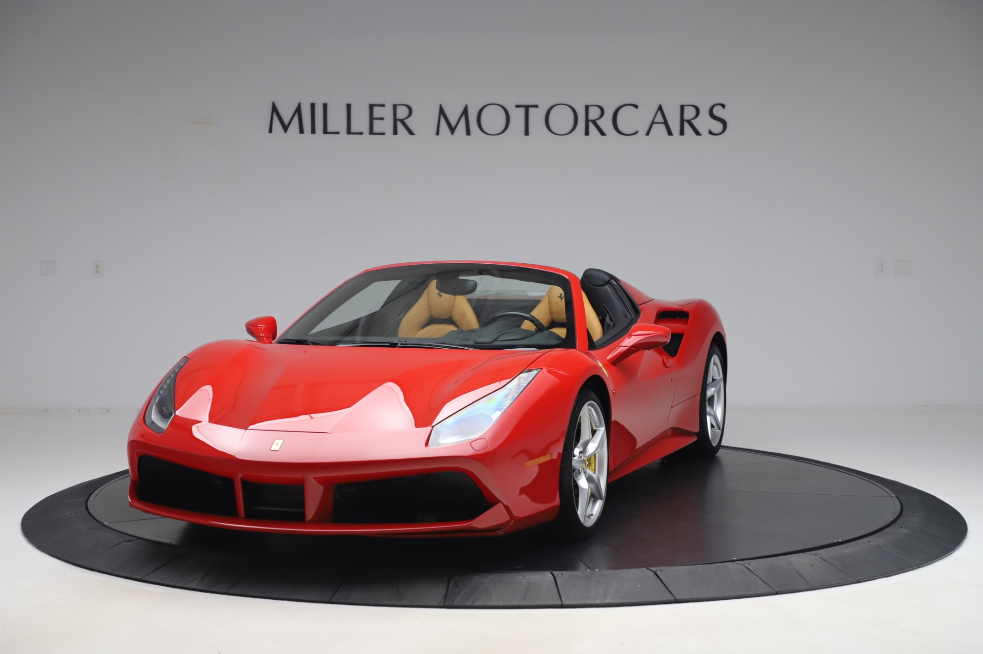 Used 2018 Ferrari 488 Spider Base for sale $289,900 at Pagani of Greenwich in Greenwich CT 06830 1