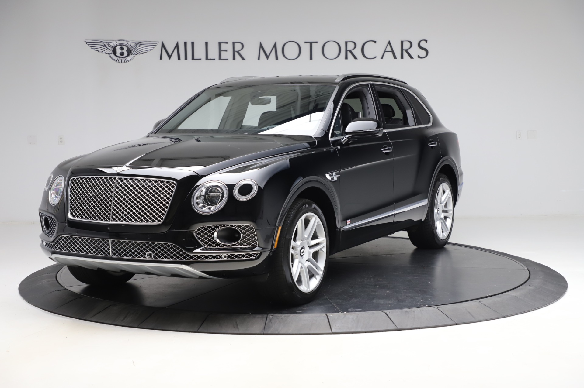 Used 2018 Bentley Bentayga Activity Edition for sale $155,900 at Pagani of Greenwich in Greenwich CT 06830 1