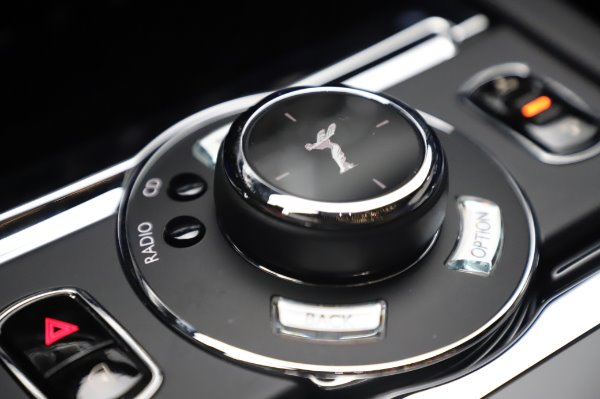 Used 2017 Rolls-Royce Wraith Black Badge for sale $269,900 at Pagani of Greenwich in Greenwich CT 06830 19