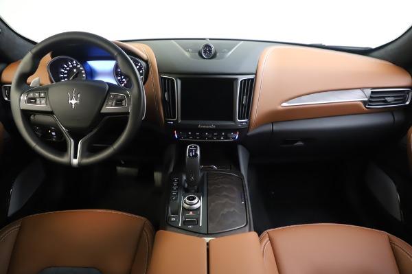 New 2020 Maserati Levante Q4 GranLusso for sale $88,635 at Pagani of Greenwich in Greenwich CT 06830 16