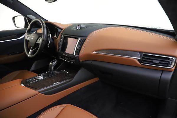 New 2020 Maserati Levante Q4 GranLusso for sale $88,635 at Pagani of Greenwich in Greenwich CT 06830 24