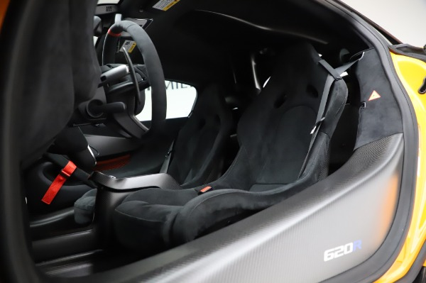 New 2020 McLaren 620R Coupe for sale Call for price at Pagani of Greenwich in Greenwich CT 06830 25