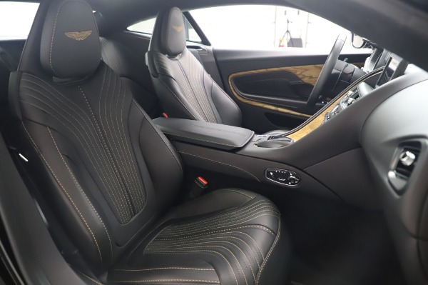 Used 2017 Aston Martin DB11 V12 Coupe for sale $149,900 at Pagani of Greenwich in Greenwich CT 06830 23