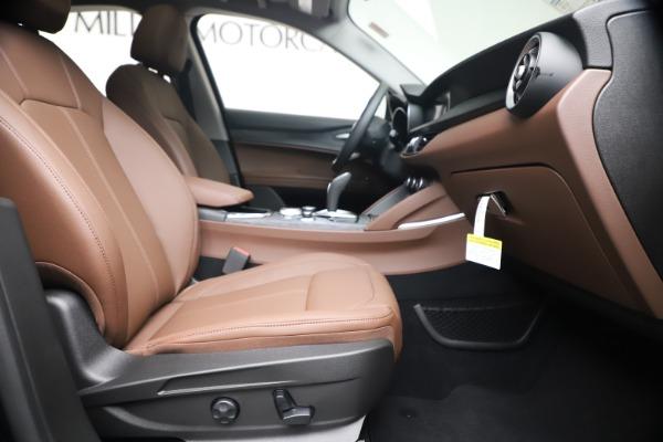 New 2020 Alfa Romeo Stelvio Q4 for sale $49,045 at Pagani of Greenwich in Greenwich CT 06830 22