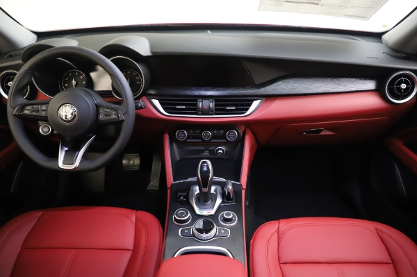 New 2020 Alfa Romeo Stelvio Sport Q4 for sale $50,195 at Pagani of Greenwich in Greenwich CT 06830 16