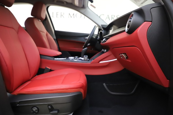 New 2020 Alfa Romeo Stelvio Sport Q4 for sale $50,195 at Pagani of Greenwich in Greenwich CT 06830 23