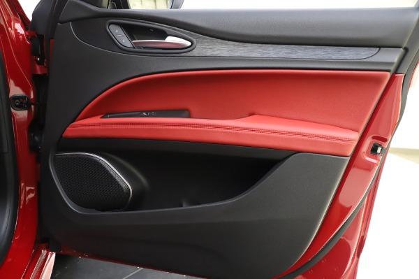 New 2020 Alfa Romeo Stelvio Sport Q4 for sale $50,195 at Pagani of Greenwich in Greenwich CT 06830 25