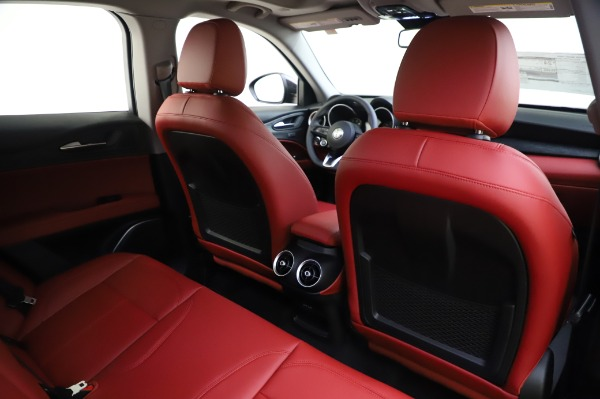 New 2020 Alfa Romeo Stelvio Sport Q4 for sale $50,195 at Pagani of Greenwich in Greenwich CT 06830 28