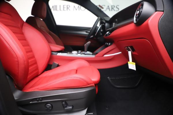 New 2020 Alfa Romeo Stelvio Ti Sport Q4 for sale $56,145 at Pagani of Greenwich in Greenwich CT 06830 23