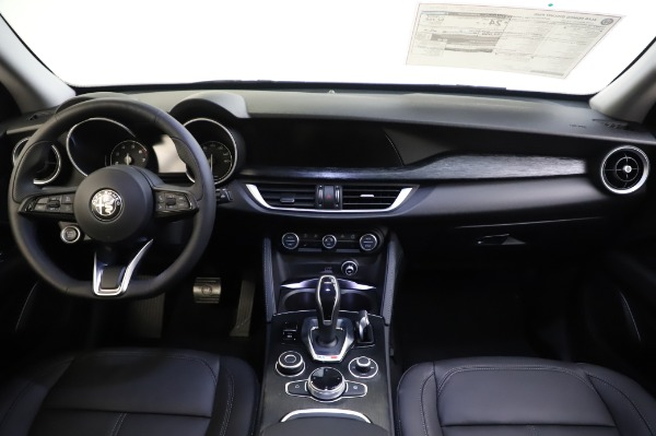 New 2020 Alfa Romeo Stelvio for sale $50,145 at Pagani of Greenwich in Greenwich CT 06830 16