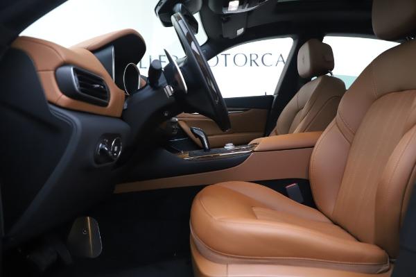 New 2020 Maserati Levante Q4 GranLusso for sale $74,480 at Pagani of Greenwich in Greenwich CT 06830 15