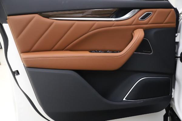 New 2020 Maserati Levante Q4 GranLusso for sale $74,480 at Pagani of Greenwich in Greenwich CT 06830 17